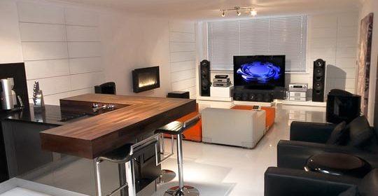010609jon-av-home-kitchen-lr.jpg